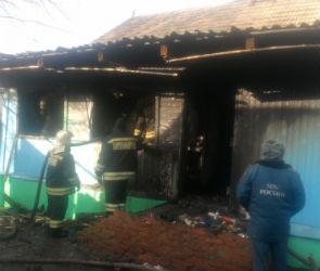 У пожилой жительницы Россоши сгорел дом, пока она лежала в больнице