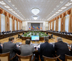 Алексей Гордеев отметил важность работы общественных приемных губернатора