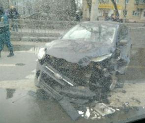 На Ворошилова пожарная машина врезалась в «Форд Фокус» (ФОТО)