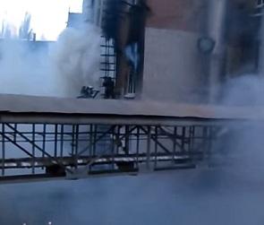 Воронежцы сняли на видео пожар в здании «Верофарма» на Кольцовской