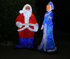 Новогодние светящиеся фигуры появились в парке «Алые паруса» (ФОТО)
