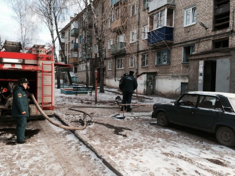 В Воронеже 12 человек эвакуировали из горящего жилого дома (ФОТО)