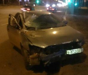 В Воронеже пьяный водитель легковушки протаранил припаркованную ГАЗель (ФОТО)