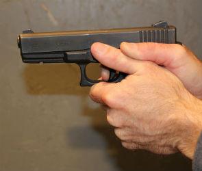 В Воронеже пьяный 25-летний мужчина открыл стрельбу в салоне сотовой связи