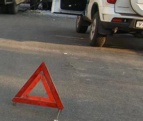 В Воронеже у грузовой «Газели» на ходу отвалилось колесо (ВИДЕО)