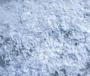 За три дня гололедицы 126 воронежцев получили переломы, поскользнувшись на льду