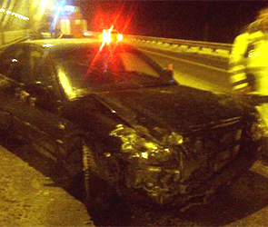 На М-4 под Воронежем автобус врезался в стоявшую машину, едва не убив пассажира