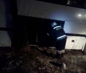 На трассе в Воронежской области перевернулся рейсовый автобус: есть пострадавшие