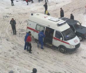 В Воронеже мужчина спрыгнул с 4-го этажа (ФОТО)
