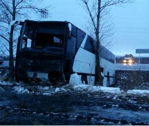 Воронежские следователи начали проверку по факту ДТП с рейсовым автобусом
