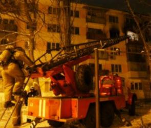 В Воронеже пожар в многоквартирном доме на улице Артамонова: пострадал мужчина