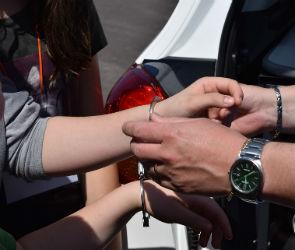 Воронежец ограбил женщину в подъезде ее дома и три дня бегал от полиции