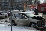 Из-за гололедицы на улице Добролюбова столкнулись две легковушки (ФОТО)