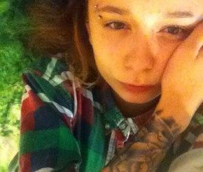 В Воронеже уже третий месяц ищут 16-летнюю девушку с татуировкой розы