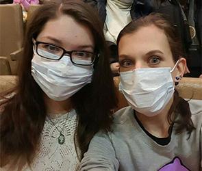 В воронежском цирке зрителям из-за эпидемии гриппа выдают медицинские маски ФОТО