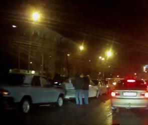 У ДК Кирова столкнулись пять машин (ВИДЕО)