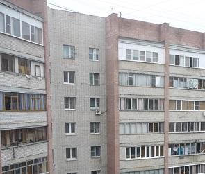 После скандала с УК в квартирах дома на улице 25 Января заработала канализация