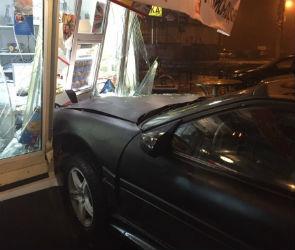Полиция разыскивает водителя, испортившего «Русский аппетит» (ФОТО)