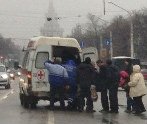 На Кольцовской ВАЗ сбил женщину на пешеходном переходе (ФОТО)