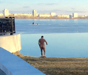 Нудист, купавшийся у «Гото Предестинации», не возмутил воронежцев (ФОТО)