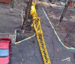 СМИ: кран у «Галереи Чижова» упал так, как задумывалось