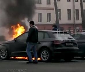 Неизвестные сожгли BMW воронежской жены Сергея Шнурова (ВИДЕО)