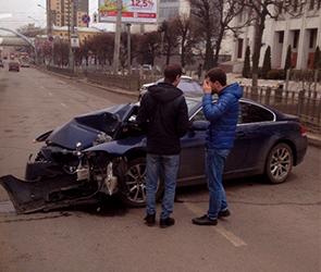 Очевидцы сообщают о крупном ДТП на Московском проспекте в Воронеже (ФОТО)