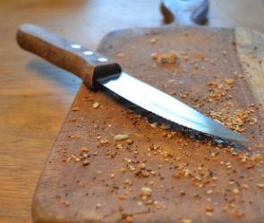 В Воронеже 19-летний парень ударил кухонным ножом 49-летнего товарища