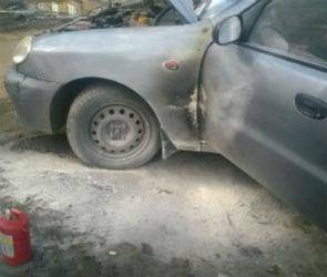 В Воронеже мужчина сжег автомобиль своей бывшей возлюбленной (ФОТО)