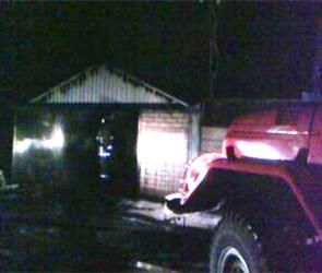В селе под Воронежем 20 минут тушили горящую Ладу Гранта и гараж