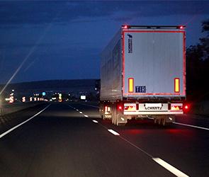 В Петербурге у воронежского дальнобойщика угнали фуру с 20 тоннами груза