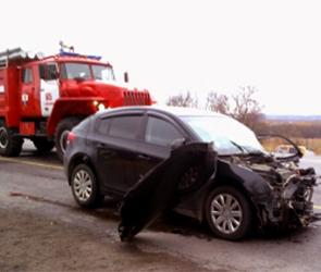 В аварии с ГАЗелью и Фольсквагеном под Воронежем пострадали 4 человека