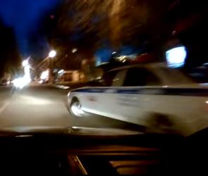 Сотрудник ГИБДД спровоцировал аварию в центре Воронежа (ВИДЕО)