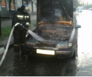 В Воронеже вечером сгорела припаркованная машина (ФОТО)