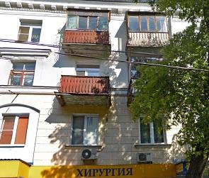 В центре Воронежа спасли мужчину, пытавшегося спрыгнуть с 3 этажа