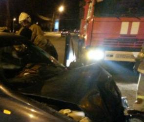 В Боброве «Ауди» влетела в опору моста: водитель погиб, пассажир – в реанимации