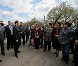 Алексей Гордеев посетил приграничные села Воронежской области