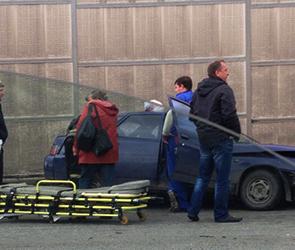 В пригороде Воронеже в тройной аварии ранены два человека (ФОТО)