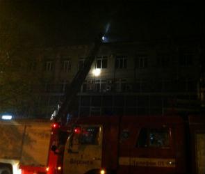 Крупный пожар в Воронеже: 55 пожарных тушили полыхающее офисное здание (ФОТО)
