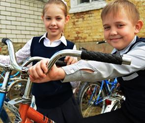 В селе под Воронежем школьники спроектировали и построили велопарковку