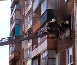Под Воронежем на пожаре из-за сгоревшего телевизора пострадал человек (ВИДЕО)