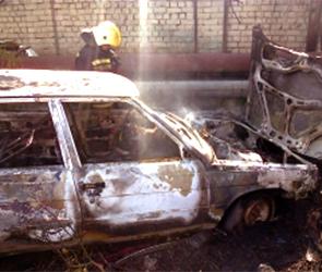 В центре Воронежа 1 мая одновременно сгорели Фольксваген и Рено