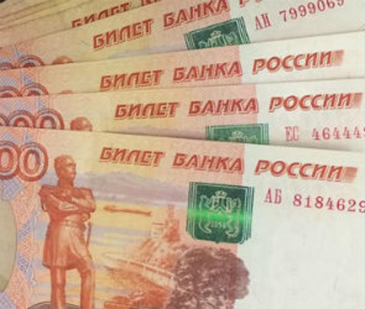 Почти 1000 воронежцам две компании задолжали 60 млн рублей зарплаты