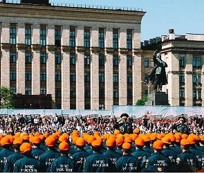 В Воронеже прошел военный парад