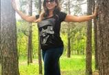 Анфиса Чехова бегала по воронежскому лесу от полчищ комаров в новых джоги-догах