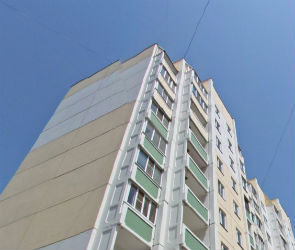 В Воронеже на крыше девятиэтажки нашли тело женщины