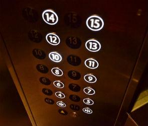 В Воронеже у лифта оборвалась нить несущего каната