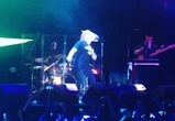 Тимати выступил в маске лошади и перепутал на концерте Волгоград и Воронеж