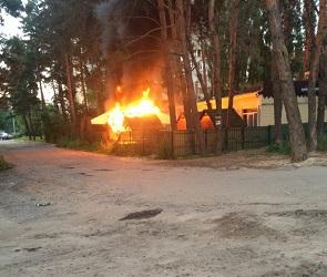 В Северном микрорайоне Воронежа сгорело кафе