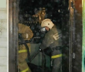 В Северном районе ночью сгорел третий за месяц торговый павильон